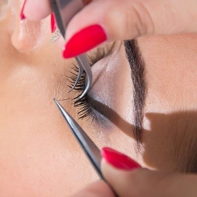 LASH EXTENSIONS AT DUDLEY'S BEAUTY SALON IN NOTTINGHAM